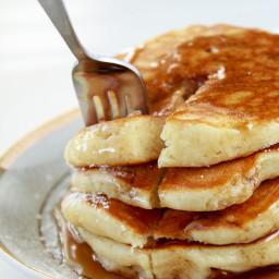 Simple Fluffy Sour Cream Pancakes