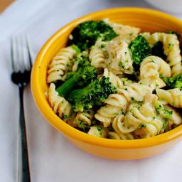 Skinny Chicken and Broccoli Alfredo