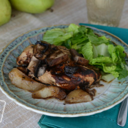 Slow Cooker Balsamic Chicken with Pears and Mushrooms