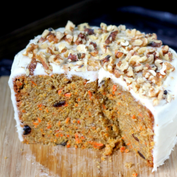 Slow Cooker Carrot Cake with Cream Cheese Frosting