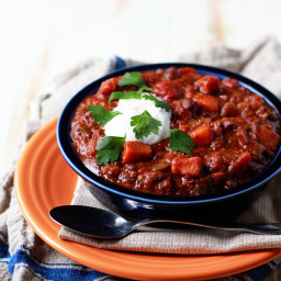 Slow Cooker Quinoa, Sweet Potato, & Black Bean Chili