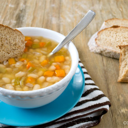 Slow Cooker Italian Vegetarian Bean Soup