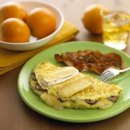 Smoked Brie Wedge, Bacon & Mushroom Omelet