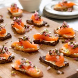 Smoked salmon tartines with red onion-caper relish