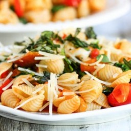 Smoky Tomato, Roasted Red Pepper & Arugula Pasta