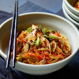 Soy grilled chicken lo mein