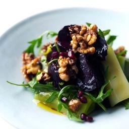 Spicy beetroot, leek and walnut salad