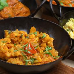 Spicy Cauliflower and Potato Curry (Vegan, Aloo Ghobi)