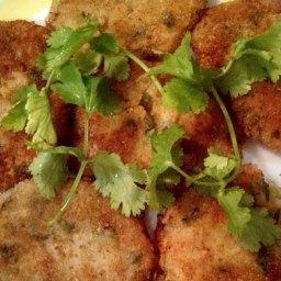 Spicy Potato Patties (Aloo Tikki)  → http://www.allthecooks.com/spicy-