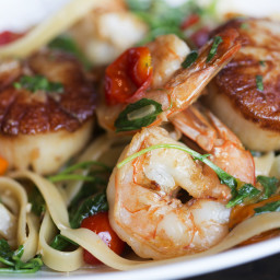 Spicy Shrimp And Scallop Alfredo