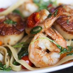 Spicy Shrimp And Scallop Alfredo