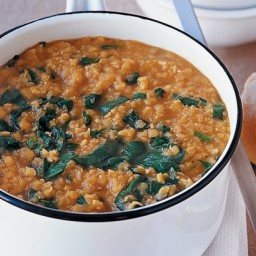 Spinach and red lentil soup