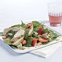 Spinach Salad with Chicken, Strawberries, Blue Cheese and Almonds