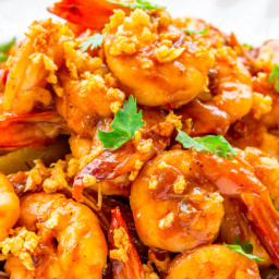 Stir-Fried Shrimps with Butter Roasted Garlic