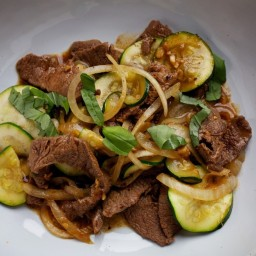 Stir-Fried Beef, Zucchini and Sweet Onions