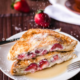 Strawberries 'n' Cream French Toasts