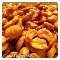 Sweet & Spicy Sriracha Cashews!