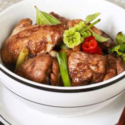 Three Cup Chicken (三杯鸡)