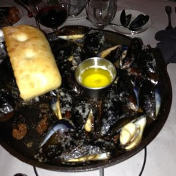 Timpano's Skillet Roasted Mussels
