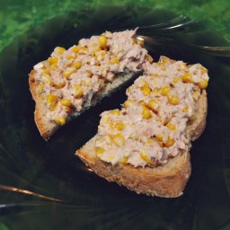 Tuna corn sandwich salad