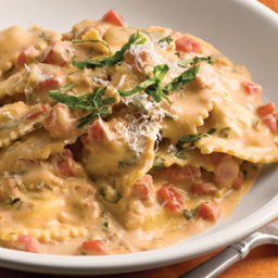 Tuscan Pasta with Tomato Basil Cream