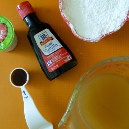 Two Ingredient Cake and ndash;Spice Cake Mix and Pumpkin Puree