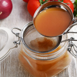 Use Those Scraps! Homemade Veggie Broth (or Chicken, Beef or Fish!)