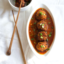 veg balls in hot garlic sauce