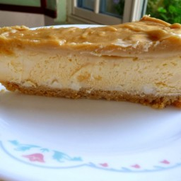 WHITE CHOCOLATE CARAMEL CHEESECAKE (LC)