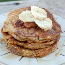 Whole-Wheat Banana Pancakes (freeze the leftovers!)