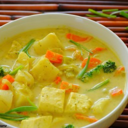 yellow curry tofu