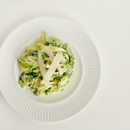Zucchini Noodles in Garlic Parmesan Cream Sauce