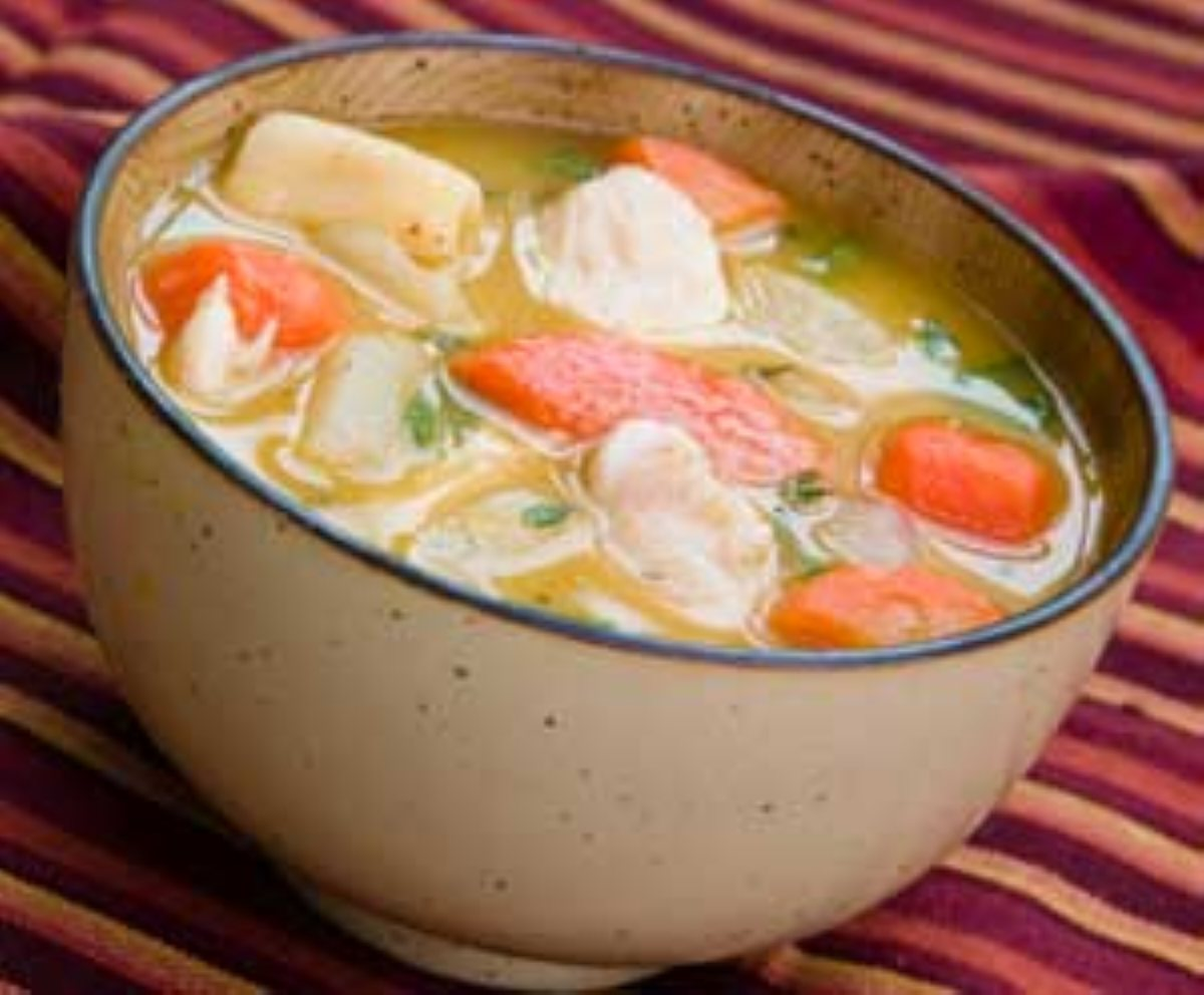 Sopa de pollo cuban style chicken soup for Best homemade chicken noodle soup recipe