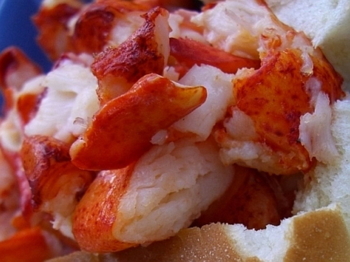 Lobster Rolls with Homemade Mayonnaise - BigOven