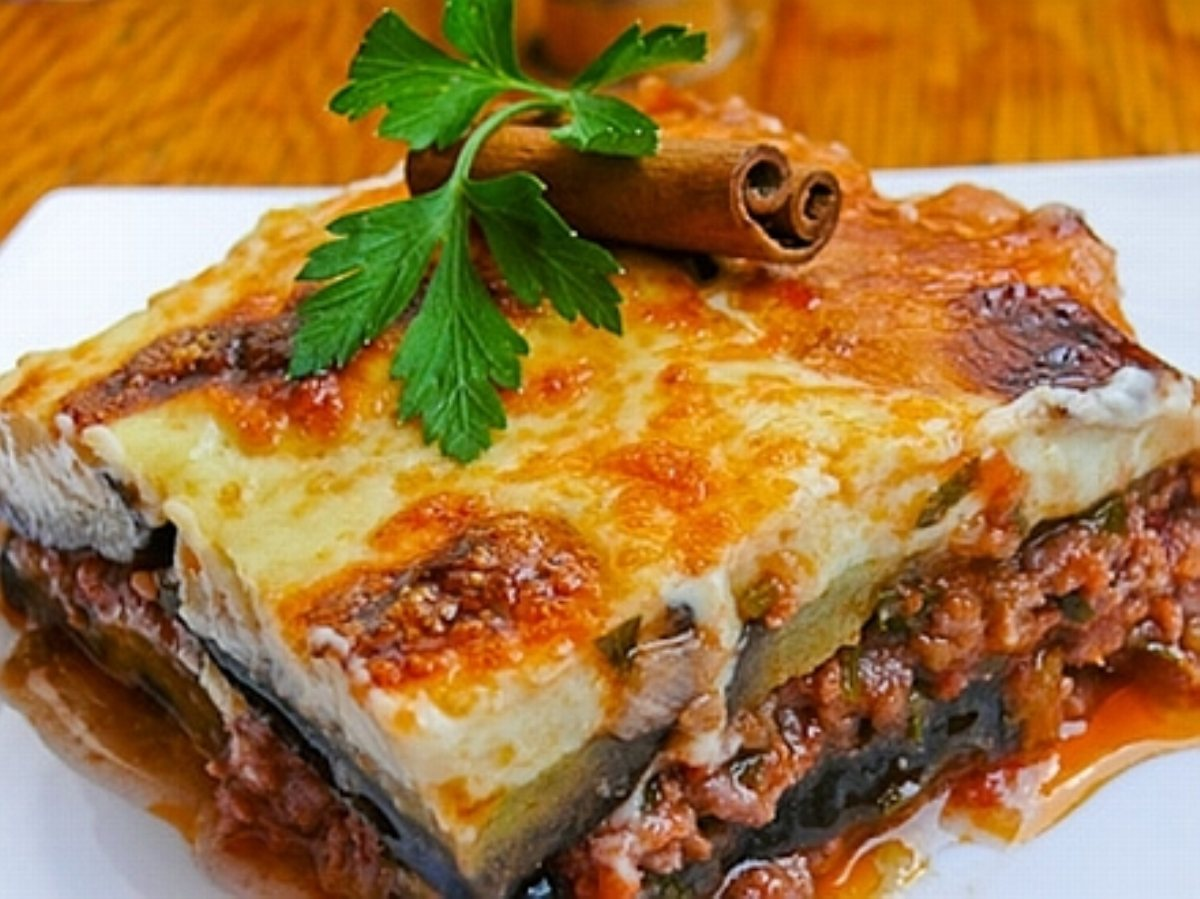 Greek style moussaka for Aubergine cuisine