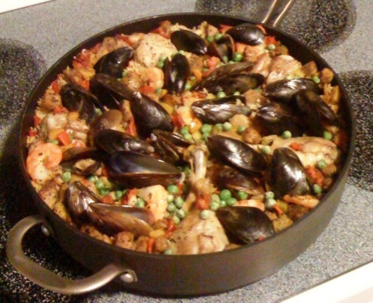 Paella (Spanish Chicken, Seafood Casserole) - BigOven