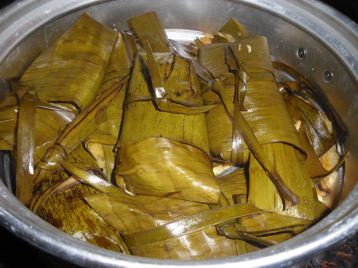 chilahuates banana leaf wrapped tamales