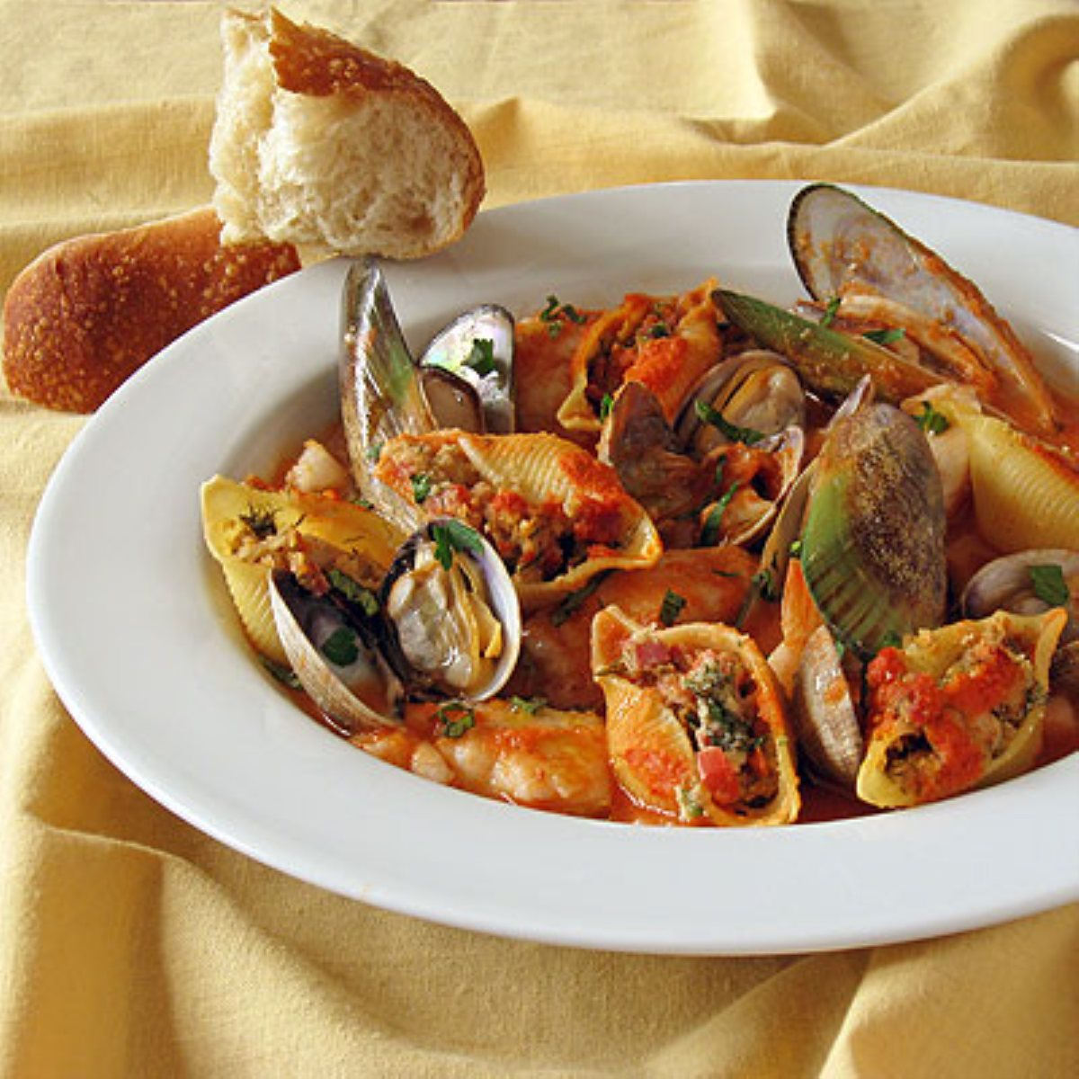 ... linguine with clams and chorizo recipe yummly clam and chorizo pasta