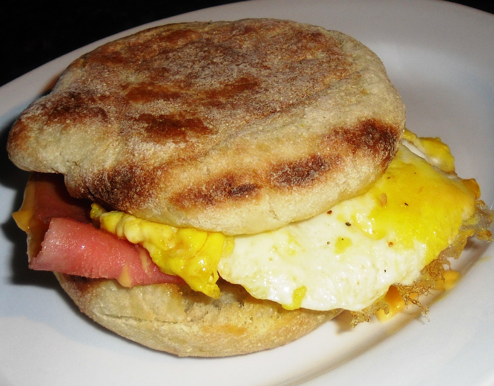 Fried Egg And Ham Sandwich - BigOven
