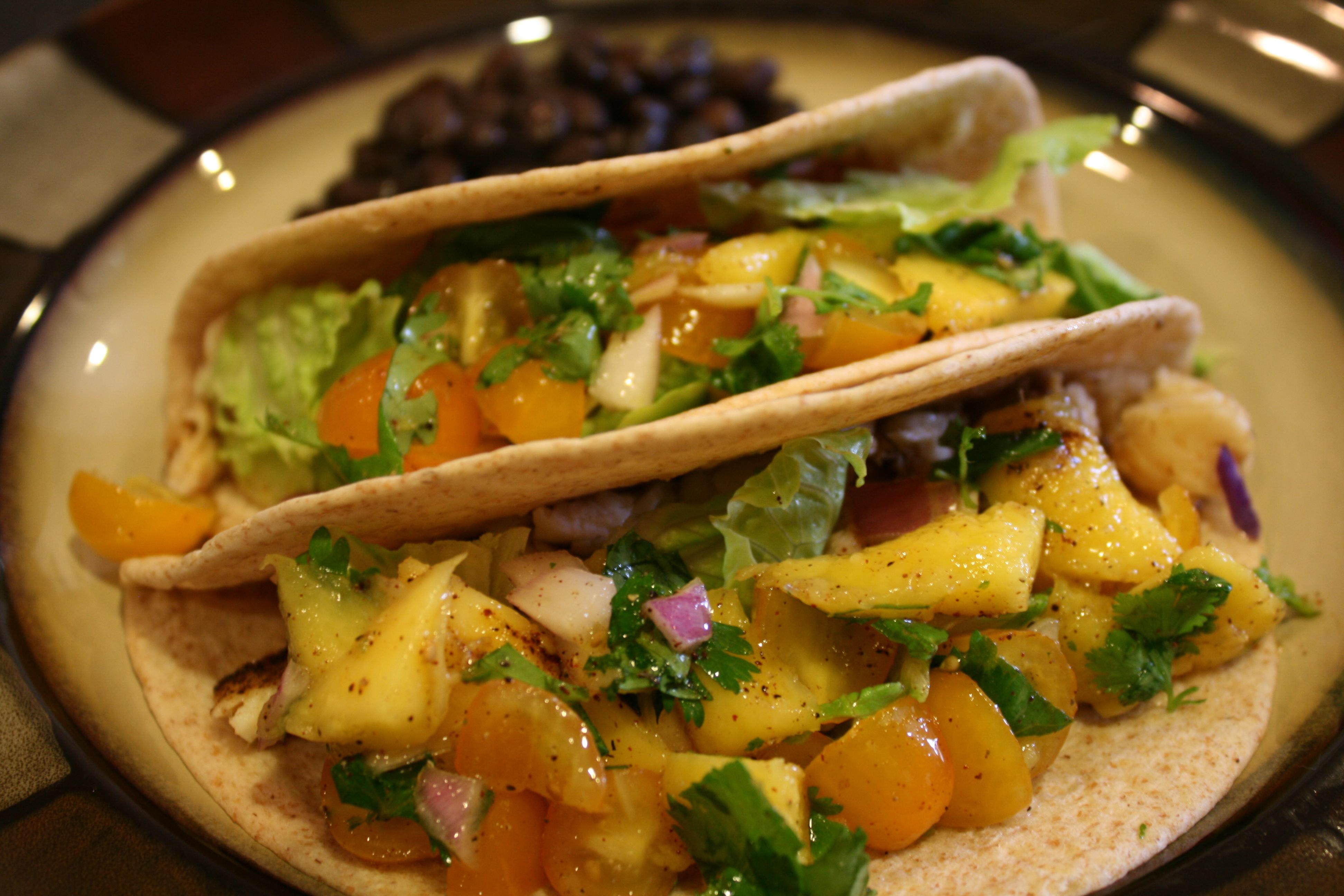 Fish tacos with mango salsa verde for Fish taco salsa