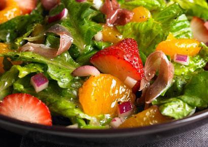 Romaine, strawberry and orange salad - BigOven