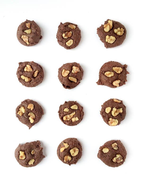 Flourless Chocolate Walnut Cookies - BigOven