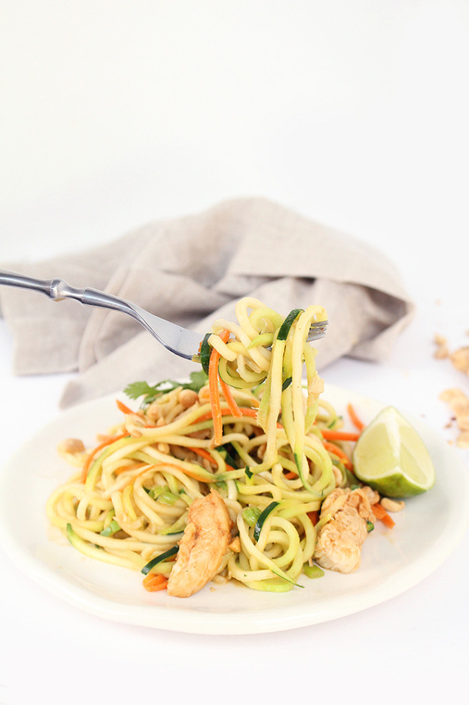 Asian Peanut Zucchini Noodles with Chicken + Skinnytaste ...