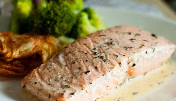 Recipes Course Salmon Steaks With Wine Sauce