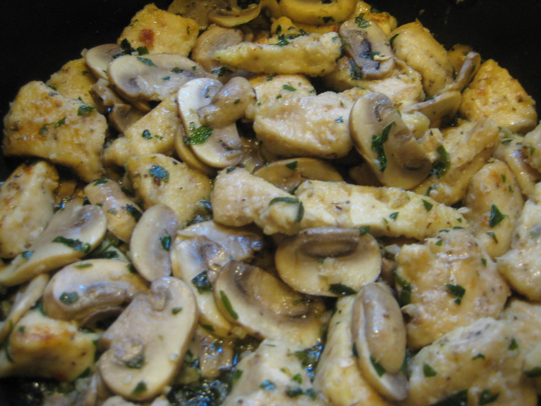 Chicken and Mushrooms in Garlic White Wine Sauce - BigOven