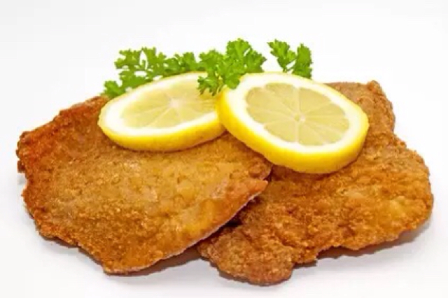 how to cook veal schnitzel in a pan